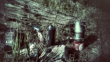 We woke up without water so we gathered up camp and stopped at the first stream to have our coffees.