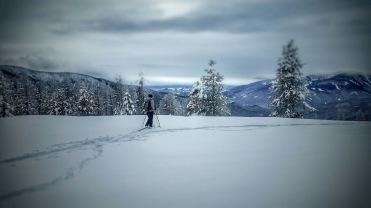 Mo skis toward Anderson Mountain