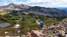 Mo hiking above Hilgard Basin