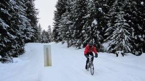I can't imagine how awesome this ride would of been with a real fat bike. The snow was actually firm enough for the skinnies to hold up.