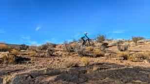 Mo riding along a rim